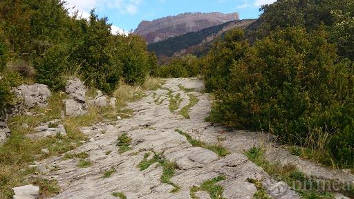 Calzada romana casa rural en el Pirineo