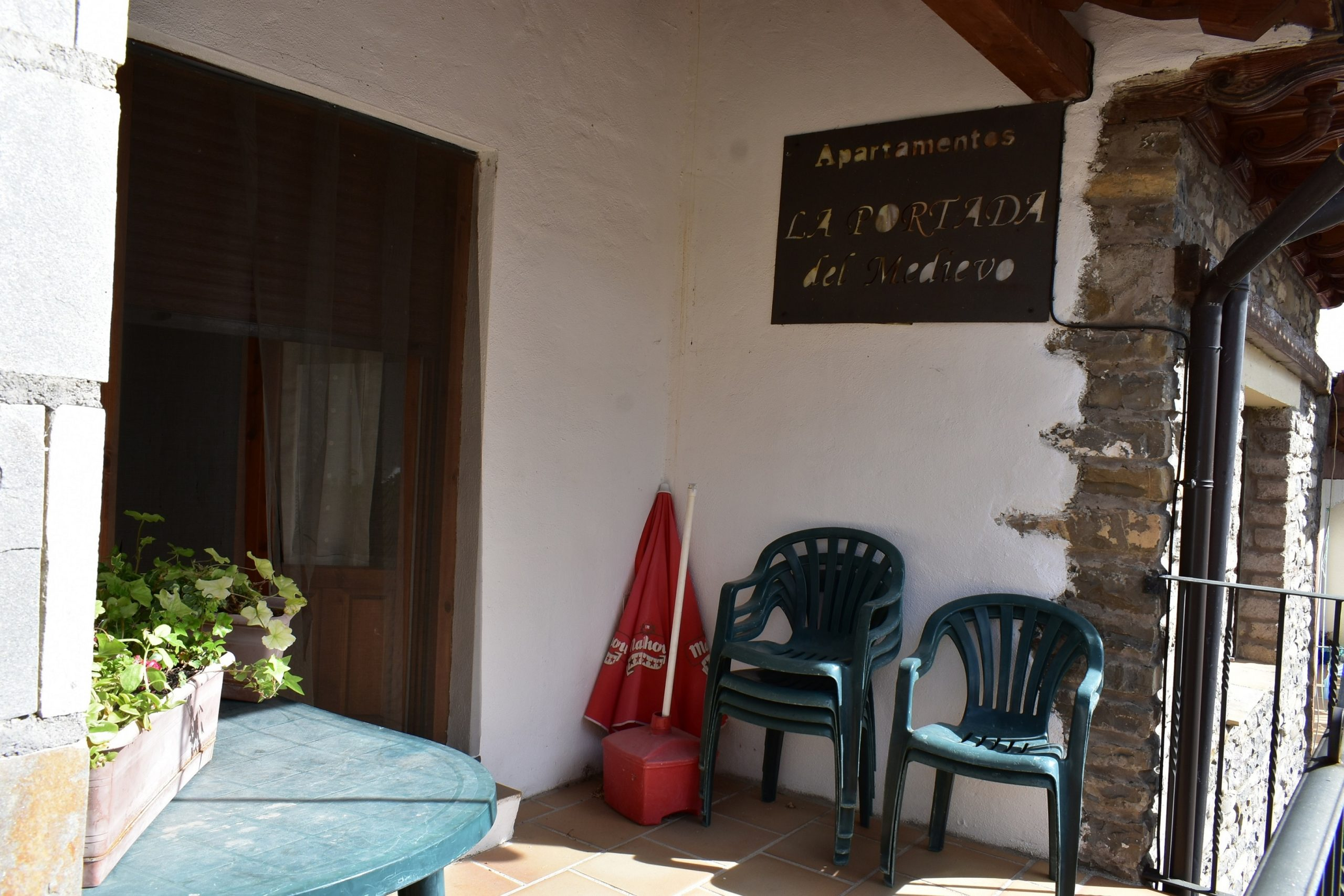 Desayunos y cenas al aire libre en el Pirineo